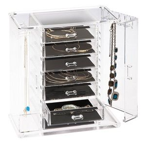 Hanging Jewelry Organizer on Poshmark